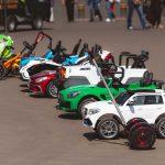 Une voiture électrique pour enfant : parfaite pour divertir votre petit